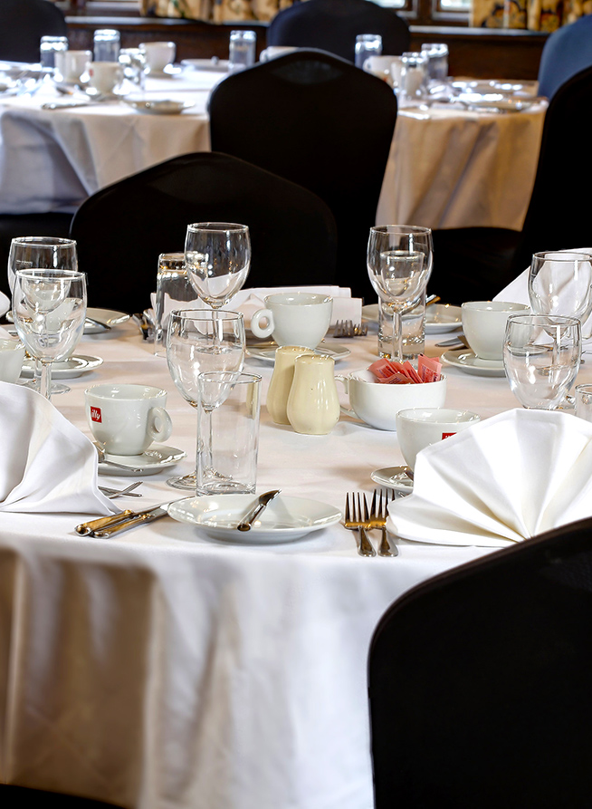 stade court restaurant dining